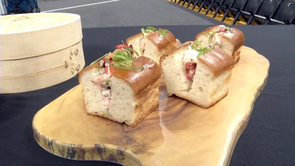 Chase Center concessions include lobster rolls from Sam's Chowder House