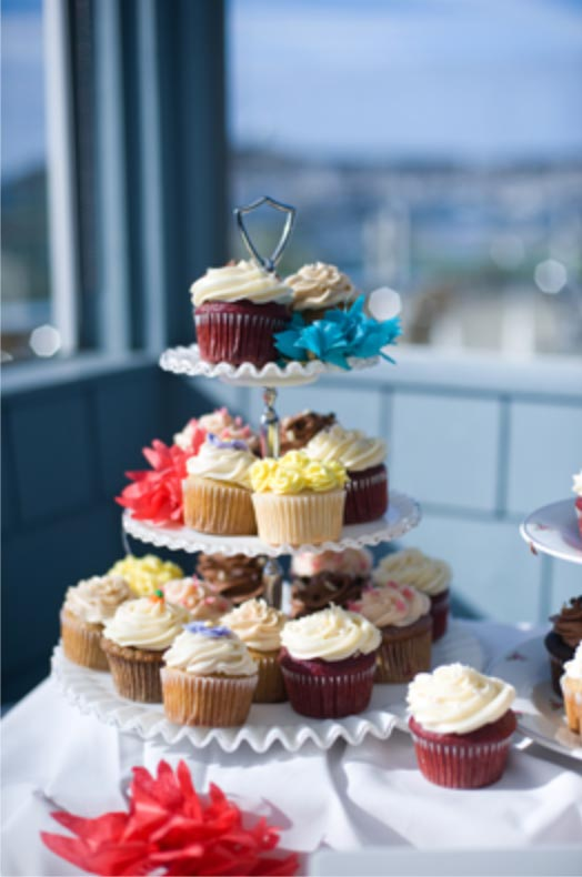 beach wedding reception cupcake tower